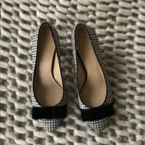 Ann Taylor plaid pumps